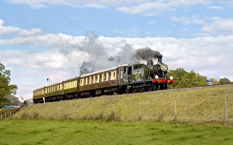 17th Oct 10:  LBSCR E4 tank in Southern livery as B473 brings the Pullman dining special away from Horsted Keynes.  Shame about the Golden Arrow head board though.