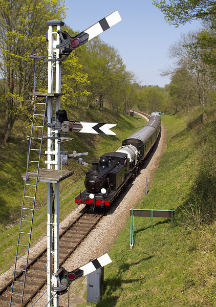 15th Apr 07:  32473 drifts passed the co-acting outer home signals