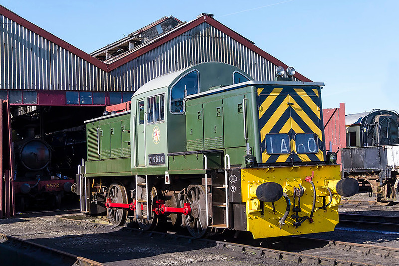 25th Mar 2017:  Class 14 D9516 0-6-0 was built at Swindon in 1964.  The 26 engines were built for shuntin and running local goods traffic, the deisel equivelant of a Class 57XX  Pannier in steam days.