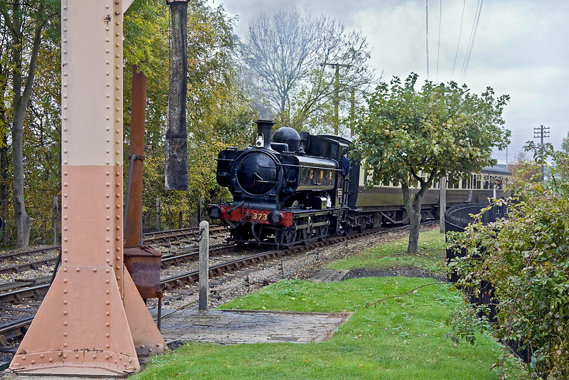 30th Oct 11 :  3738 on the Branch Line playing 2nd fiddle to the Rail Motor on the main Demonstration line