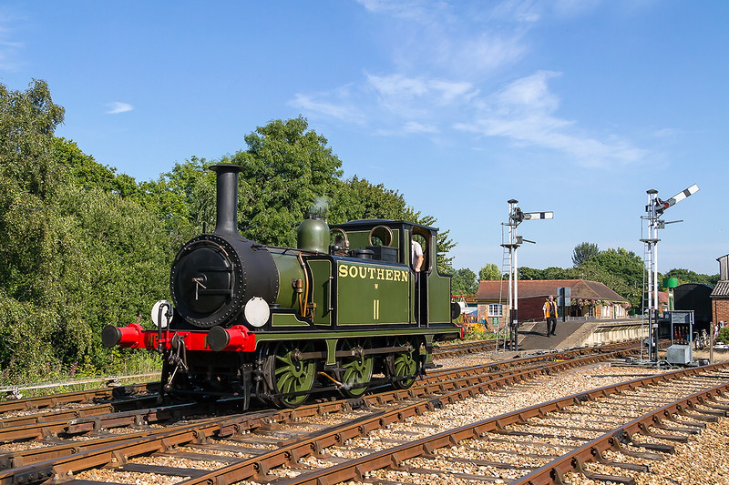 25th Aug 2016:   Built by the London, Brighton and South Coast Railway in 1878 it was moved to the Isle of Wight in 1902 and stayed for 45 years before being moved back to the mainland and renumbered 32640..  No other locomotive spent more time working on the Island than W11