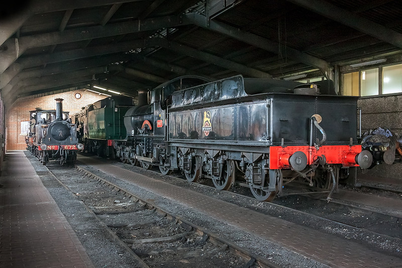23rd Mar 13:  GWR 4-4-0  3217  'Earl of Berkeley deep inside the shed at Sheffield Park.  iso 3200, 1/25 @ f5.6