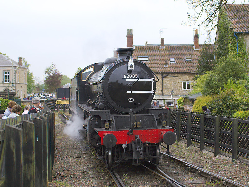 5th May 07:  LNER K1 2-6-0 #62005 runs out of the headshunt at Pickering
