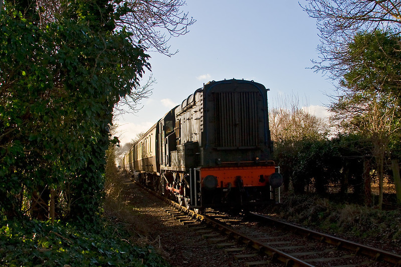 29th Dec 07:  13018 runs down hill and over a foot crossing at Bledlow
