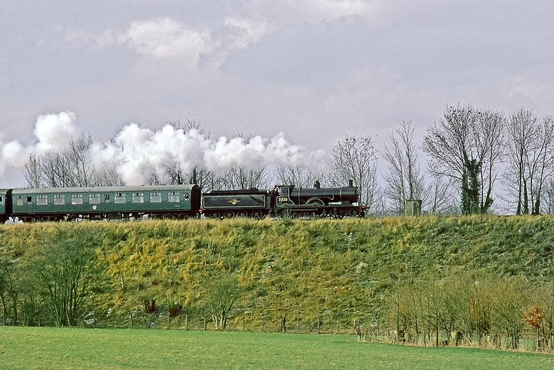 15t Mar 86:   LSWR T9  30120 is on the climb from Arlesford to Ropley