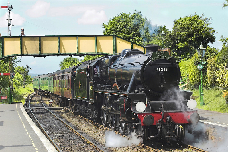 6th Mar 05:  45231 eases into Ropley.  The headboard  commemorates 20 years of the extension to Alton