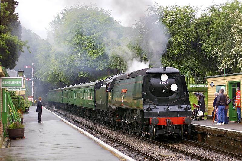 13th May 07:  34007 Wadebridge arrives at Medstead & Four Marks