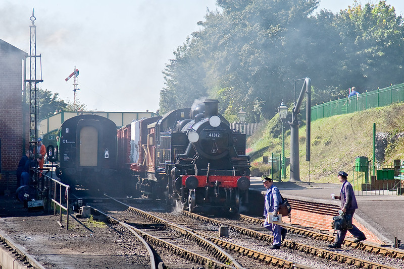 21st Sep 08:  With smoke from the  shed yard drifting across 41312 has a crew change
