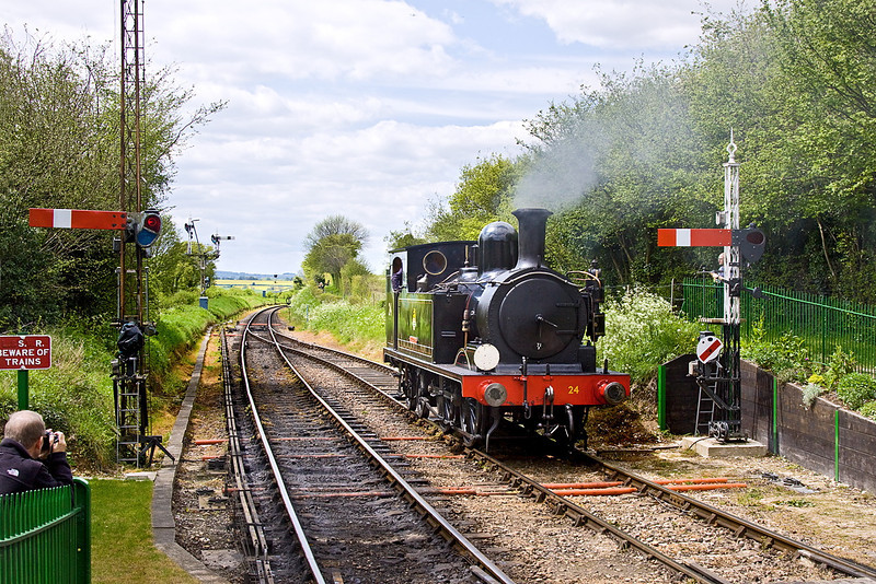 13th May 12;; Calbourne runs round at Ropley