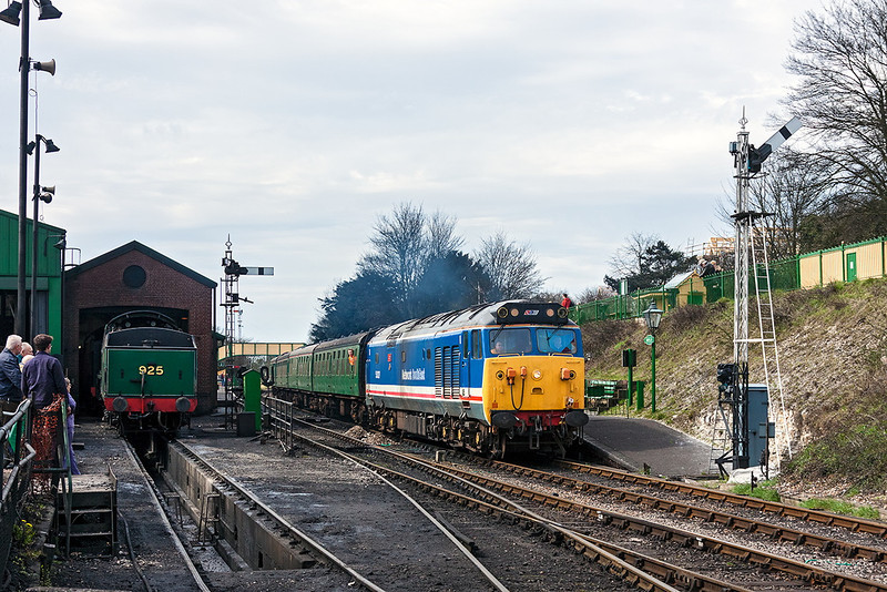 14th Apr 13:  An able stand in for the failed Black 5  50027 'Lion' takes the 12.00 service to Alton away from Ropley