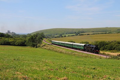 80104 renumbered as 80146 powers the 1600 Norden to Swanage at Corfe Castle on the 14th June 2017
