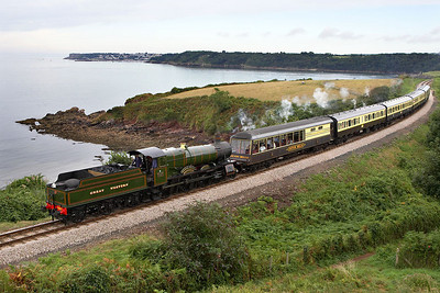 7827 'Lydham Manor' passes Broadsands on 10/09/2005 whilst working the 1700 Kingswear- Paignton Queens Park.