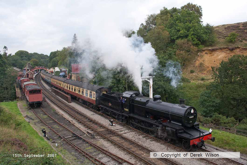 070915-040     Somerset and Dorset 2-8-0 no 53809 makes a dramatic departure from Goathland with the 14.50 Grosmont to Pickering.