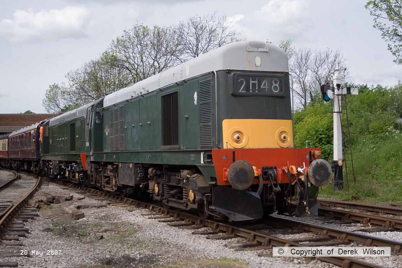 070520-001     D8154 (20154) and D8132 (20132), seen at Butterley during the MRC 'Chopperfest' event.