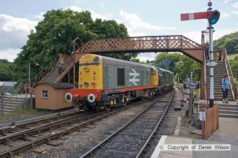 090709-025     Railfreight Grey, class 20 no. 20118 Saltburn-by-the-Sea. It was built in 1962 & was released to traffic as D8118, now owned by South Devon Diesel Traction Ltd. The scene was captured at Buckfastleigh.