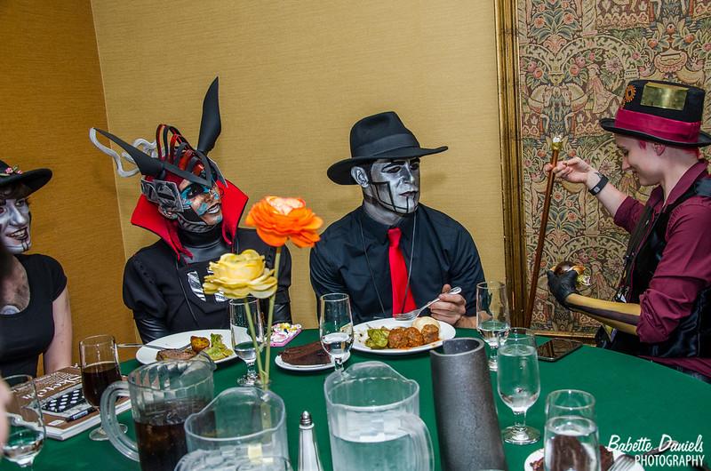 The Steampunk World's Fair - Dinner With Steam Powered Giraffe