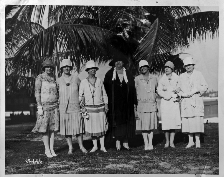 DSCN2395 3rd from left is Anna Burgoyne Stebbins & 3rd from right is maybe Marie Winsor Stebbins copy