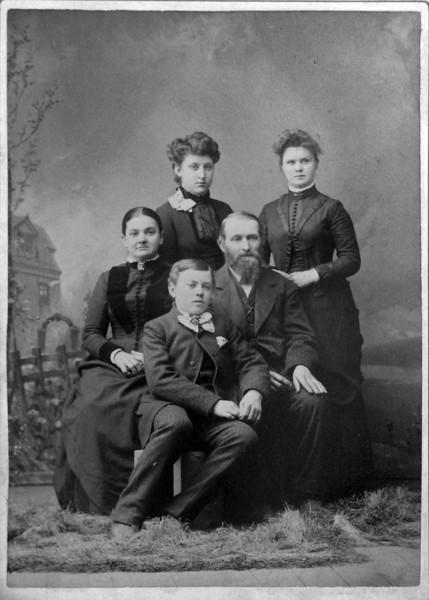 Antoinette - Anna - Mrs & Mr John & Archie Burgoyne Dec 1889