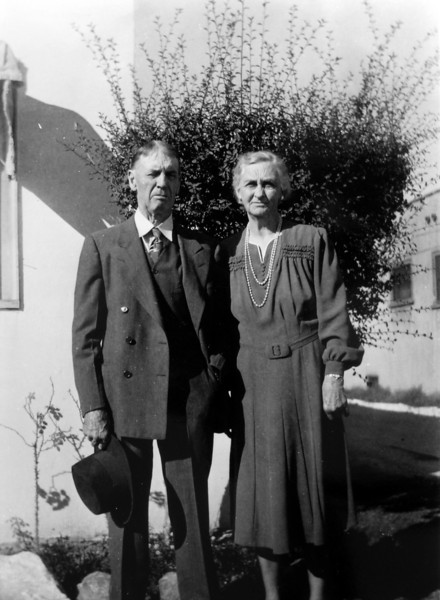 DSCN2592 Elizebeth & John Bow 50th wedding anniversary 1892-1942