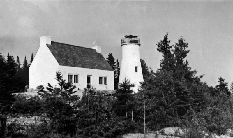 DSCN2644 Fracis B Stebbins Lighthouse on Presque Isle Mi  1937