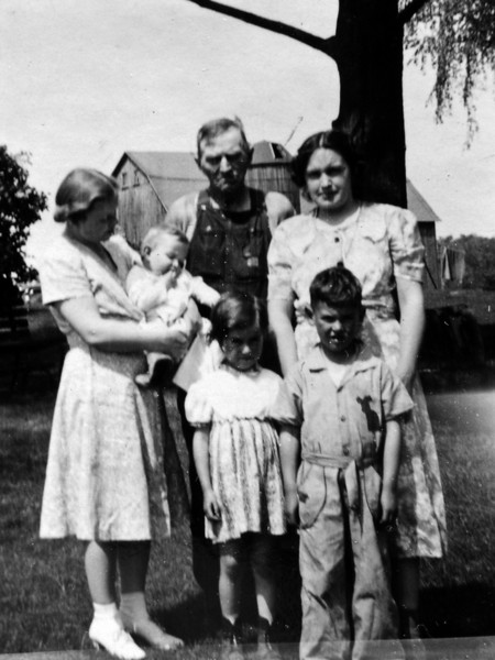 DSCN2630 Michael 9 mos & Kay 4 years & Micky 5 years & AUnt Harriet 7 Grand dad Burgoyne & Mother June 2 1940