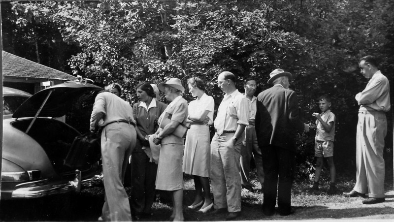 DSCN2621 Stowel Virginia, Gwen, Annette, Rowland, Cortland, Arthur, James, Bill Donavan Roaring Brook 1942