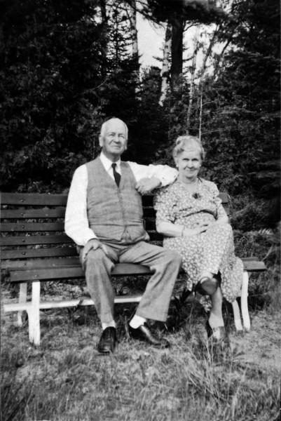 DSCN2634 Arhtur & Anna B Stebbins at Roaring Brook taken by Martha Reims 1940