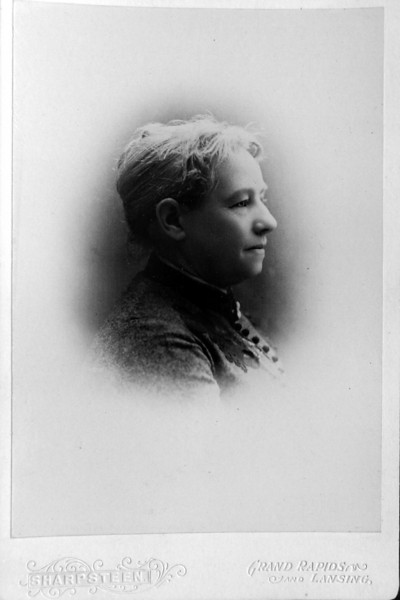 DSCN3138 Mrs Cortland B stebbins I nee Eliza Smith