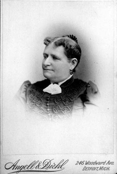 DSCN3136 Aunt Louise Treadwell nee Louise  --- Aunt of CA Stebbins