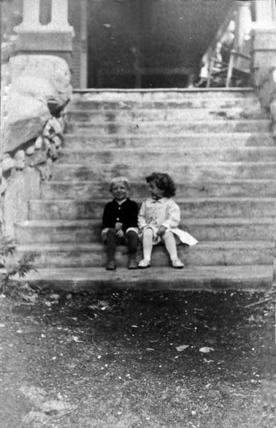 DSCN3255 George Arthur Stebbins & Katharine Ernst Archibald at Roaring Brook 1909