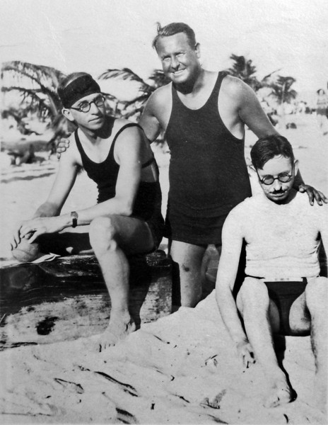 DSCN2919 Rowland & Stowell & Cortland on Miami Beach Fla Jan 23 1929