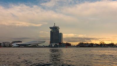 Het IJ Amsterdam.