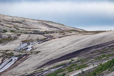 Fjellside / Mountain side<br /> Ulvik Ø, Nordland 16.7.2015<br /> Canon 7D Mark II + Tamron 150-600 mm 5,0-6.3
