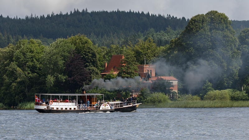Hjejlen på Borres Sø