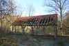Steendorp - Gelaagpark  (November 2016)<br /> Langs het wandelpad rond de vijvers - Vandalisme (29/11/2016)