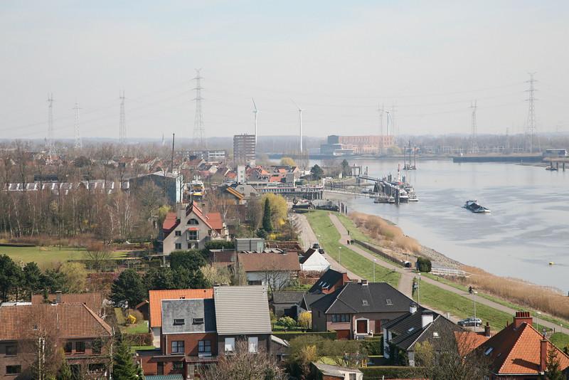Steendorp vanop de kerktoren - Richting Rupelmonde, Lepelstraat en Schelde