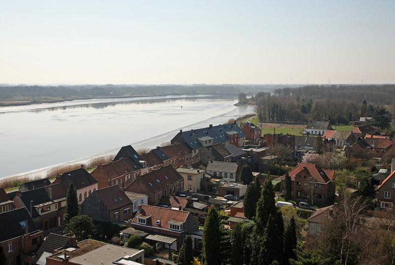 Steendorp vanop de kerktoren - Schelde richting Temse