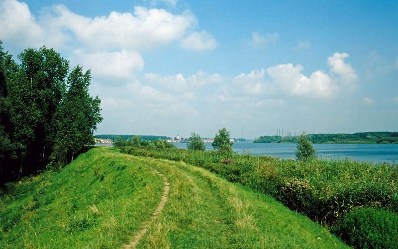 Steendorp - zicht vanop de oude dijk in de polder tussen het dorp en Temse.
