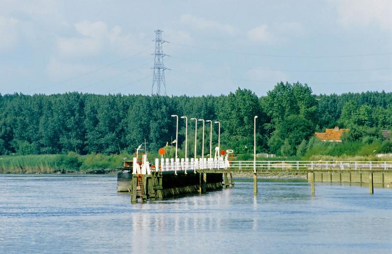 """Steendorp - """"Den Barkendeir"""" <br /> Rechts op de achtergrond de kaaimuur van de voormalige Belgomine"""