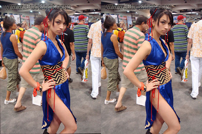 Awesome cosplayer and... Costume Seamstress! contact info: v.wedge@gmail.com  Also see Saturday's gallery for her Nariko