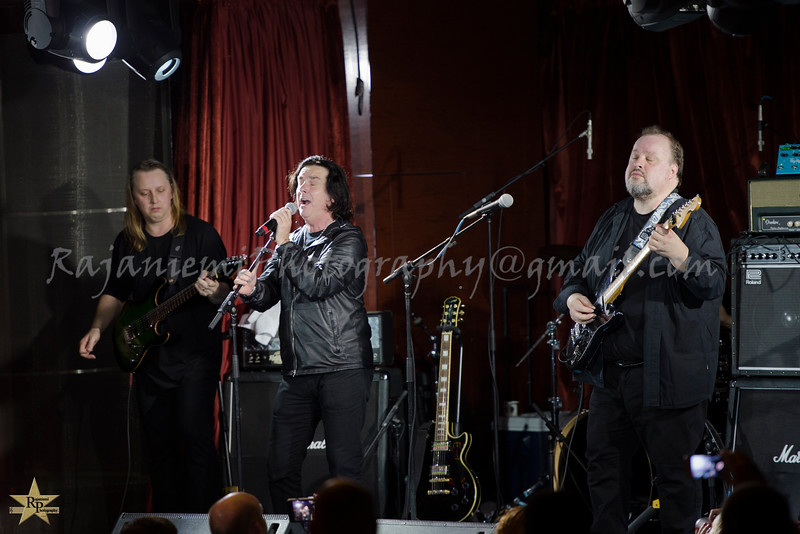 Dave Foster, Steve Hogarth, and Steve Rothery