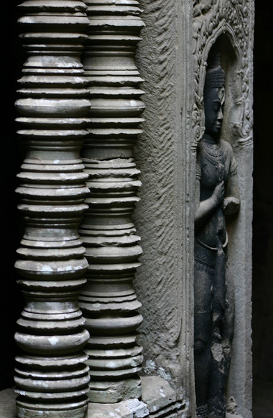 Columns and devata