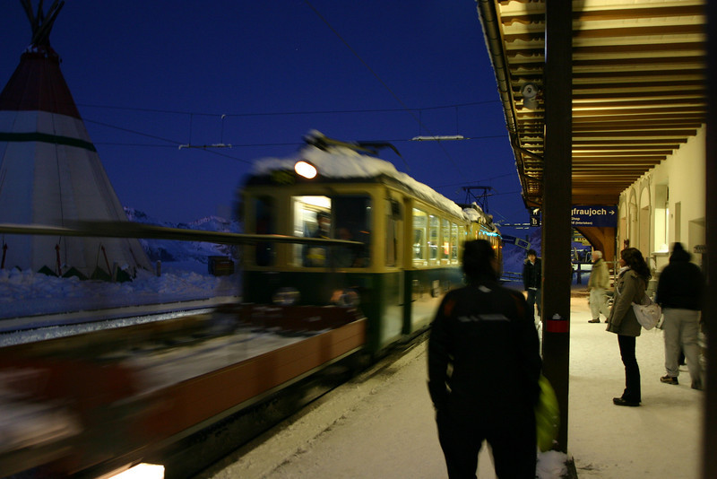 Train approaching Bahnhof at Kleine Scheidegg