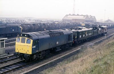 Class 25 No 25152 at Healey Mills