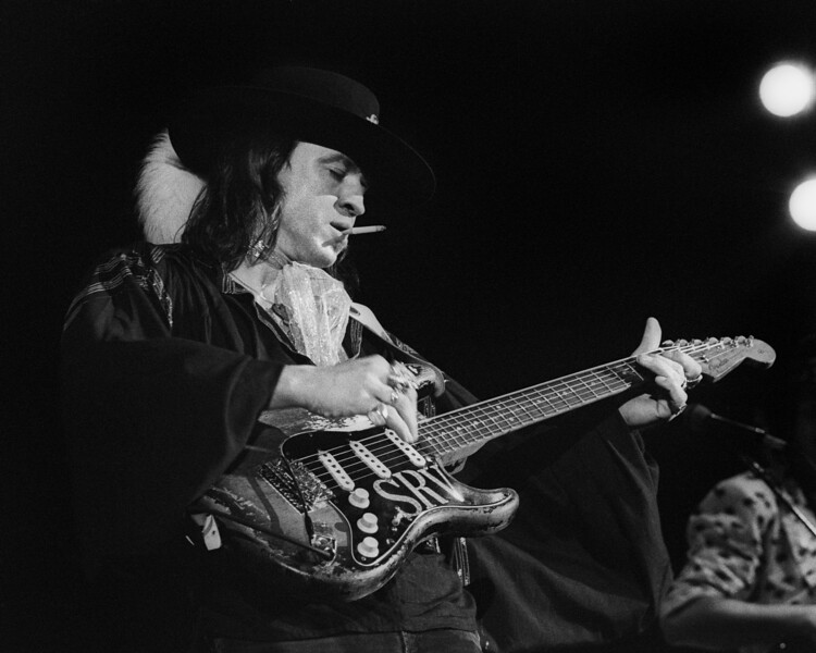 CONCORD, CA: AUGUST 3: Stevie Ray Vaughan performs at the Concord Pavilion in Concord, CA on August 3, 1986. (Photo by Clayton Call/Redferns)