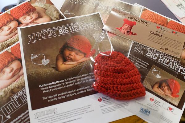 GSMC013117 MATERNITY RED HATS
