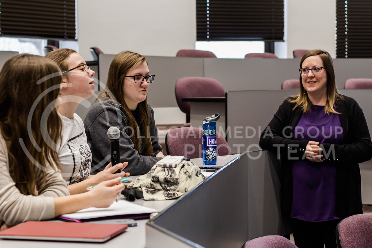 """Megan Kinnane, a freshman in Psychology with Pre-Med, explains how the phrase """"Sticks and stones may break my bones, but words will never hurt me,"""" isn't always entirely true, especially in her own personal experience during the Sticks and Stones: Words CAN Hurt Kat Chat. (Mary Kate Zach 