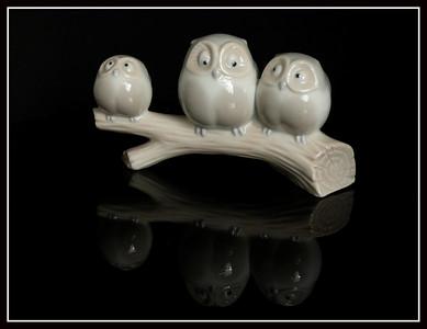 Tronco con gufetti in ceramica