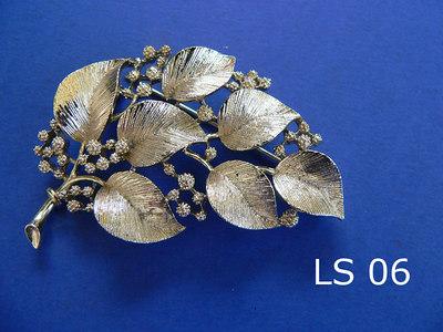 LISNER spilla - marcata sul retro metallo color oro pallido opaco lunghezza: cm.6,5