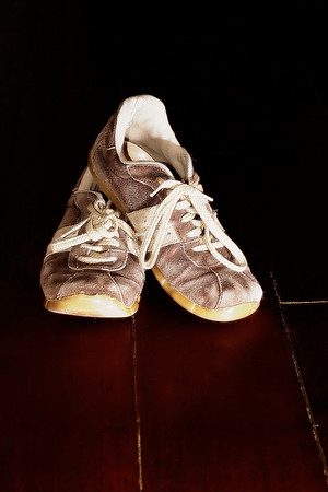 """Dec.6th, 2007<br /> """"Between saying and doing, many a pair of shoes is worn out.""""<br />  Iris Murdoch  (British Novelist and Philosopher, 1919-1999)<br /> <br /> Another shot getting away from my comfort zone (outdoor). So, hope that you will not wear out your shoe too much today -- have a great one --JY"""